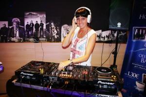 DJ produkcia-firemné akcie